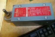 allen bradley 802x-h7 limit switch