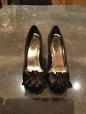CLASSY STUART WEIZMAN FOR RUSSELL AND BROMLEY SHOES SIZE UK 4 WORN GOOD CONDITIO