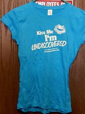Undiscovered Movie Promo Kiss Me I'm Undiscovered T-Shirt Never Been Worn! Rare!