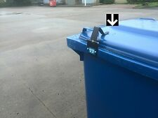 Wheelie bin lock, Bin-Spring opens at cart automatically keeps bin lids closed