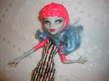 MONSTER HIGH DOLL WITH OUTFITS...6.99