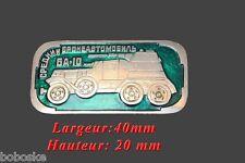 Insigne représentant un véhicule blindé Russe type BA-10