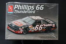 XI018 AMT 1/25 maquette voiture 8754 Thunderbird Phillips 66