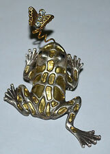 CUTE! VINTAGE FROG CATCHING RHINESTONE BUTTERFLY BROOCH, WHO DOESN'T LOVE FROGS!