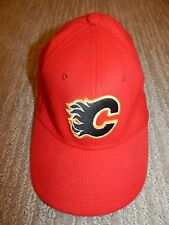 NHL CALGARY FLAMES Red Flex / Stretch Fit Fitted Cap Hat Adult Small-Medium