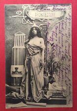 CPA. LES ARTS. 1907? ARCHITECTURE. Attributs d'architecte. Jeune Fille. Compas.