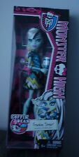 MONSTER HIGH COFFIN BEAN FRANKIE DOLL BNIB