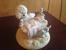 """1999 Precious Moments """"Behold the Lamb of God"""" Figurine #588164"""