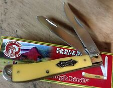 CROWING ROOSTER OLD YELLOW HUNTING POCKET KNIFE TRAPPER !!!