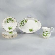 "7 PIECES OF ROYAL ALBERT ""TRILLIUM"" - SMALL TRAY, CREAMER & 5 SMALL DISHES"