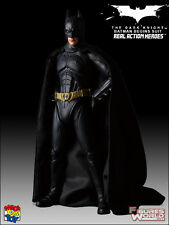 MEDICOM RAH THE DARK KNIGHT BATMAN 1:6 SCALE (HOT TOYS SIDESHOW KIT BASH)