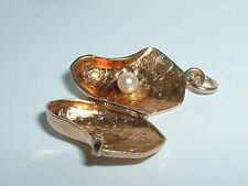 VINTAGE 14K YELLOW GOLD 3D OYSTER CLAM SHELL SEA CHARM opens up to pearl