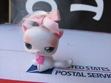 Littlest Pet Shop White Sitting Cat Kitten with Bow and Collar Green Eyes