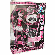New | Monster High Draculaura Doll | Pet & Diary Original Costume Mattel