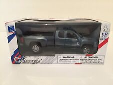 NewRay Chevrolet Silverado 2500 HD Pickup Truck 1:32 diecast Blue Grey chevy