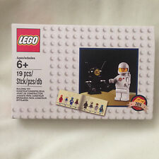 NEW Lego Exclusive 5002812  White Spaceman Astronaut Minifigure Rare Set