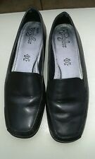 Ladies Footglove black leather flat shoes size 5.5