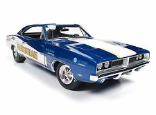 AUTO WORLD 1:18 RACING DREAMS HAWAIIAN 1969 DODGE CHARGER R/T DIECAST CAR AW231