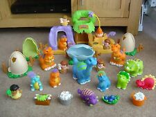 FISHER PRICE LITTLE PEOPLE DINOSAUR LAND WITH SOUNDS FIGURES AND DINOSAURS RARE