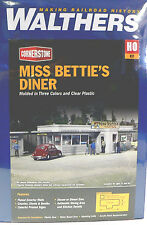 HO SCALE MODEL RAILROAD TRAINS LAYOUT BUILDING KIT WALTHERS MISS BETTIES DINER
