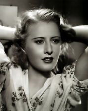 Barbara Stanwyck UNSIGNED photo - B1924 - Stella Dallas