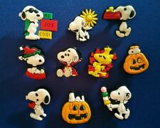 10 PC SNOOPY WOODSTOCK JIBBITZ SHOE CHARMS CAKE TOPPERS PARTY FAVORS WRISTBANDS