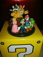 Nintendo of America Club Nintendo Platinum Rewards: Super Mario Diorama figurine