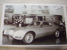 1963  STUDEBAKER AVANTI IN SHOW ROOM 11 X 17  PHOTO /  PICTURE