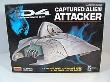 LINDBERG ID4 INDEPENDENCE DAY CAPTURED ALIEN ATTACKER SPACESHIP MODEL KIT NEW!