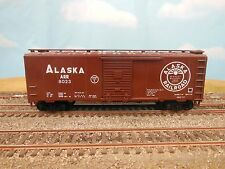 HO SCALE ALASKA ARR 8023 (EXCEEDS PLATE C) 40' BOX CAR CUSTOM DECORATED