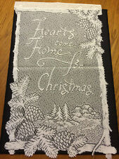 "Heritage Lace Ivory ""Hearts come home for Christmas"" Wall Hanging  #159 ""Nice"""