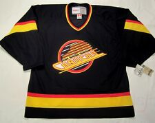 VANCOUVER CANUCKS - size LARGE - CCM 550 VINTAGE series Hockey Jersey - bnwt