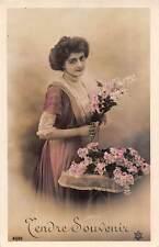 Tendre Souvenir, lilac flowers fleurs, dame