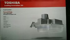 TOSHIBA 40w LED Dusk To Dawn Outdoor Security Area Light w PhotoCell & Free Arm