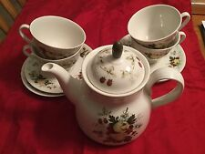 Royal Doulton MIRAMONT Tea Pot With Lid ,4 Cups,4 Saucer Set