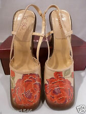 """BCBG MAX AZRIA SLING Open BACK 4"""" HEEL BEIGE LEATHER w/Painted RED ROSES Shoe 7M"""