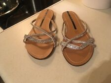 lady's shoes size 5