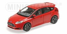 Ford Focus St 2011 Red 1:18 Model MINICHAMPS