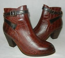 H Shoes by Hudson Women's Lewkner Leather Ankle Boot Retail $325 size 10