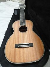 LARRIVEE UKULELE MODEL UC 40 MH WITH CASE, NEW WITH LARRIVEE WARRANTY