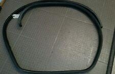 2006 saturn vue driverside rear door rubber moulding