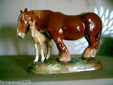 Royal doulton horse chestnut shire jument & poulain hn 2522 grand w m chance parfaite