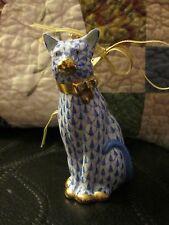 "HEREND FISHNET SITTING CAT PORCELAIN ORNAMENT ""BLUE"" GOLD FIRST EDITION RETIRED"