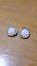 Vintage Very dainty Clip-on earrings in gold base