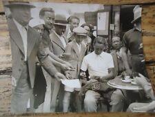 TOUR DE FRANCE 1936 PHOTO VAINQUEUR à LUCHON DUCAZEAUX SIGNANT AUTOGRAPHE CAFE