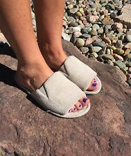 Well Loved and Worn Women's Open Toe Slippers size M 7 8