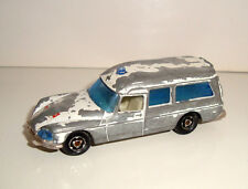 ANCIENNE AMBULANCE MAJORETTE N°206 ECH 1/65 DS 21 AMBULANCE MADE IN FRANCE (8cm)