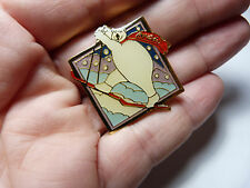 Vintage collectable gold tone metal enamel Coca Cola skiing Polar bear Lapel pin