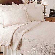 English Rose Matelasse Coverlet,Twin,White New