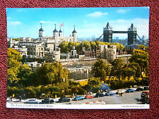 THE TOWER OF  LONDON  AND TOWER BRIDGE  COLOURED  POSTCARD    [209]